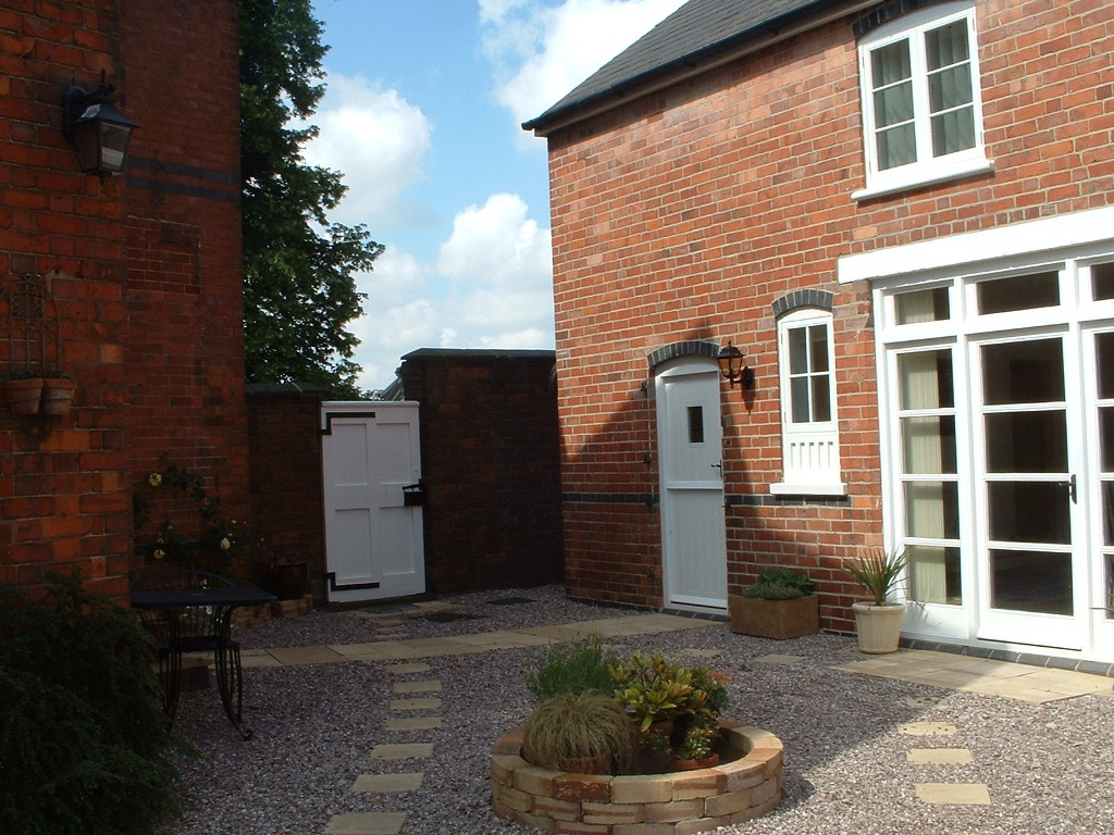 The Coach House - Front (4)